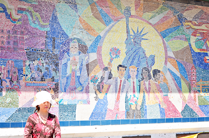 Foodie tour of chicago 39 s chinatown and probably why my for Chinatown mural chicago